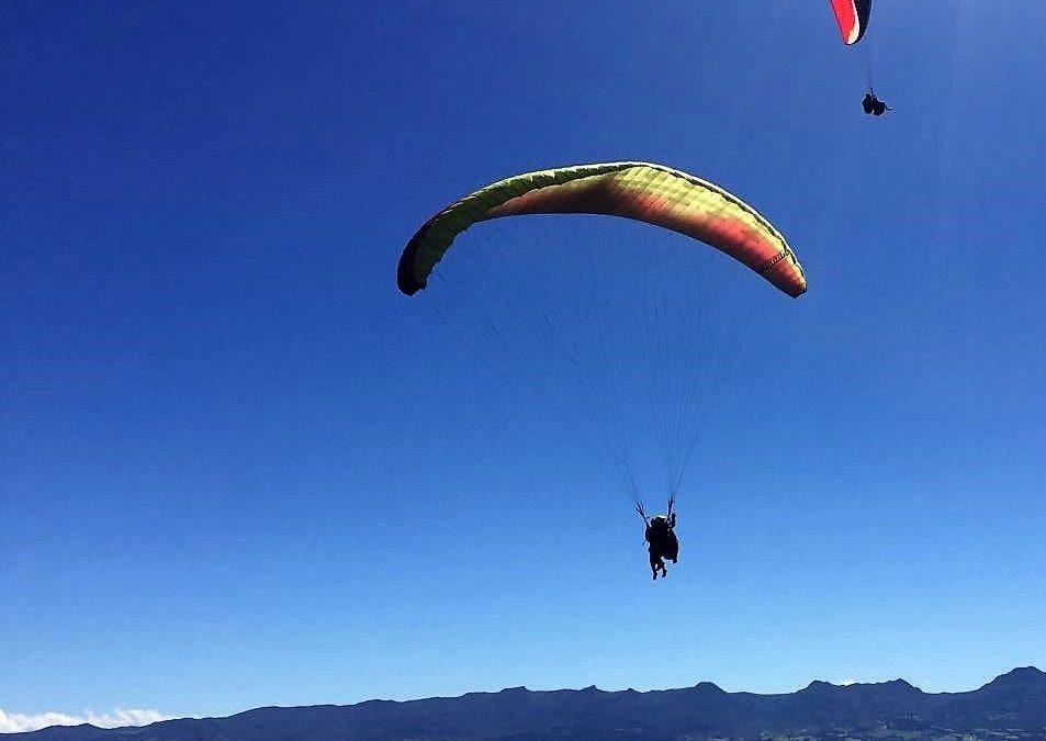 3 Razones para saltar en parapente en Bogotá